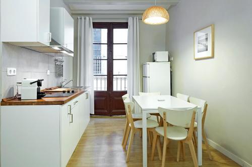 Barcelona Mercaders Apartments photo 32