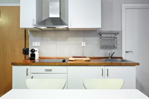 Barcelona Mercaders Apartments photo 34
