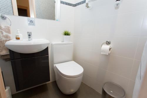 Hostal Excellence photo 59