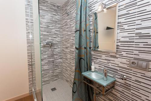 Hostal Excellence photo 64
