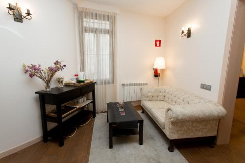Hostal Excellence photo 73