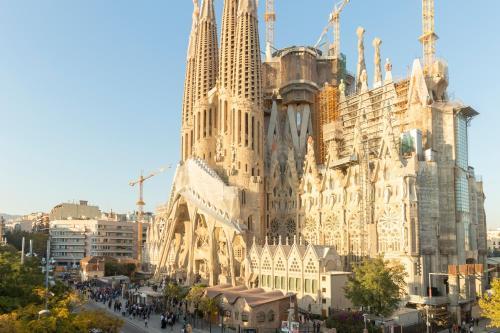 Whatching Sagrada Familia photo 35