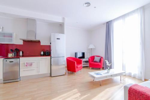 Pelayo Deluxe Apartments photo 40
