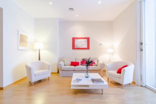 Pelayo Deluxe Apartments photo 48