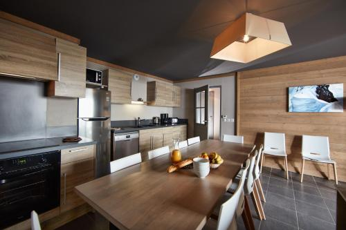 Five-Bedroom Apartment with Spa Access (11 Adults)