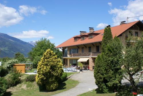 Ferienwohnungen Kapeller, Pension in Lendorf bei Sachsenburg