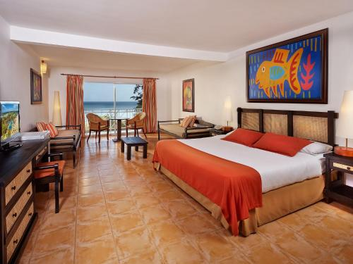 Standard Double Room with Ocean View