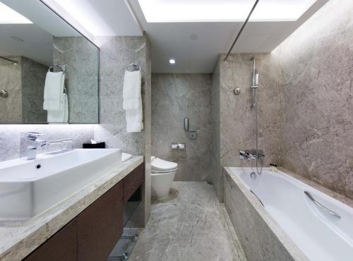 New World Millennium Hong Kong Hotel photo 21