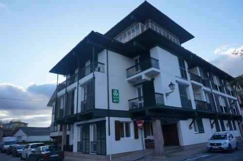 . Hotel Elizondo