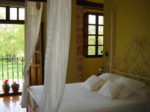 Superior Double Room with Terrace Casona de San Pantaleón de Aras 19
