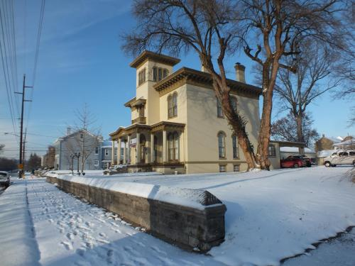 The Pepin Mansion Bed & Breakfast - New Albany, IN 47150