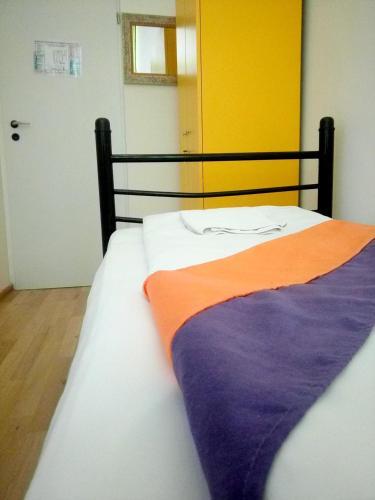 BOOK-A-REST Hostel 2