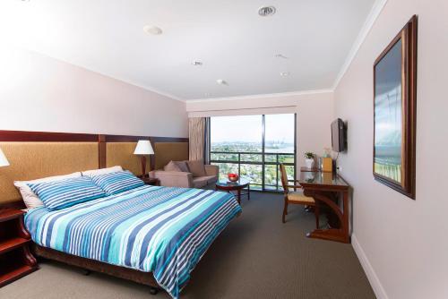 17th Floor Sea View Studio in Auckland