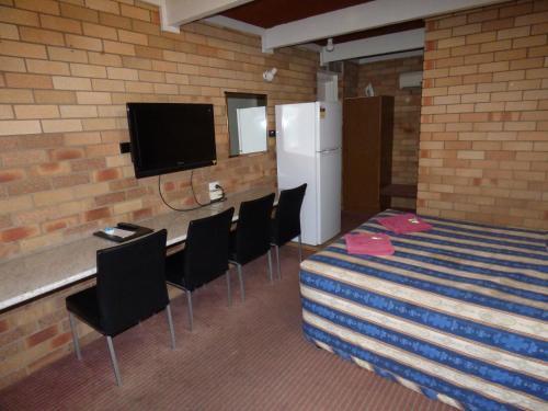 Фото отеля Red Chief Motel
