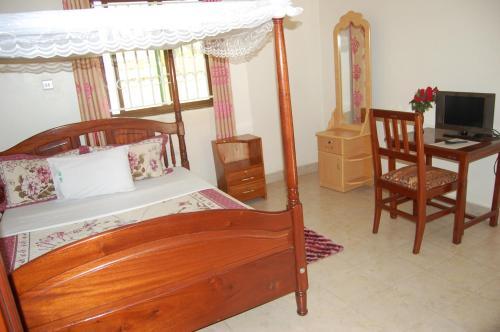 Uhuru 50 Hotel Kasese zdjęcia pokoju