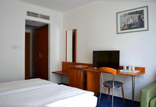 Hotel Veritas photo 44
