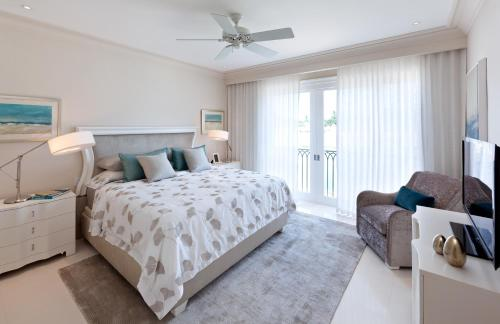 Port Ferdinand Marina and Luxury Residences Retreat