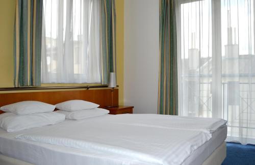 Hotel Veritas photo 51