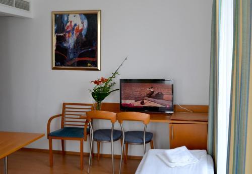 Hotel Veritas photo 52