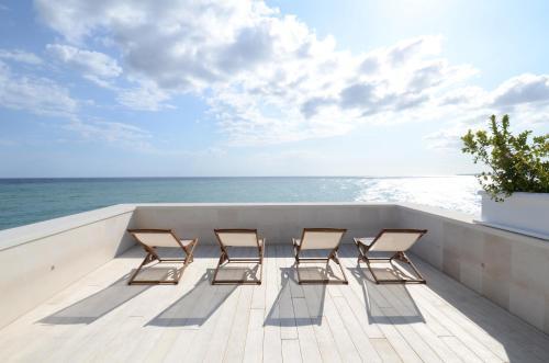 . MoMa Suites Private Beach