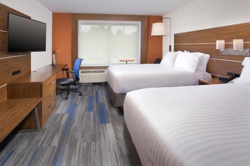 Holiday Inn Express & Suites Altoona - Altoona, PA 16635