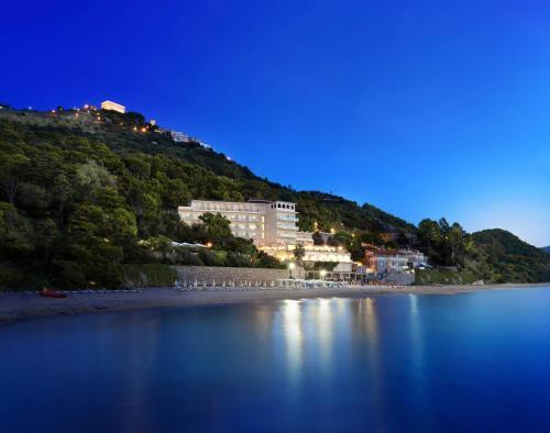 . Grand Hotel Santa Maria