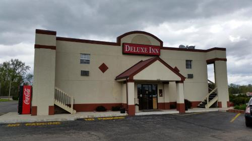 Deluxe Inn (formerly Days Inn) - Warsaw, IN 46580