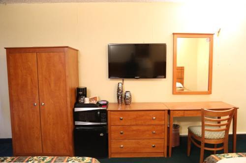 JFK Inn - image 3