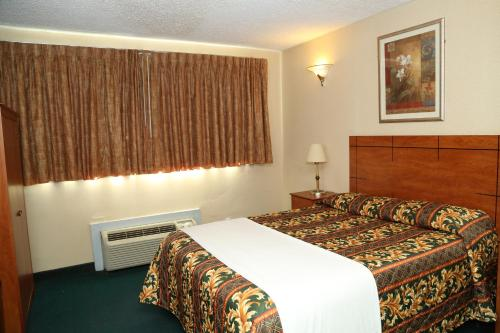 JFK Inn - image 6
