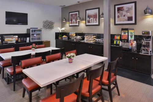 Best Western Royal Palace Inn & Suites - Los Angeles, CA 90064