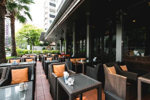 Adelphi Suites Bangkok photo 2