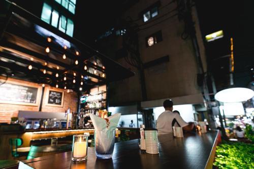 Adelphi Suites Bangkok photo 4