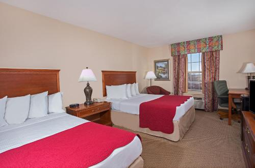 Ramada By Wyndham Sparta/At Speedway - Sparta, KY 41086