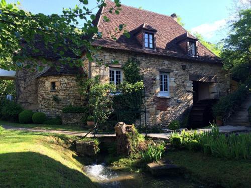 . Le Moulin De La Beune