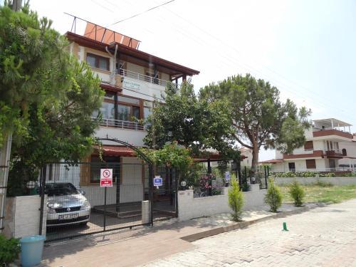 Dikili Dikili Villa Aile Pansiyonu online rezervasyon