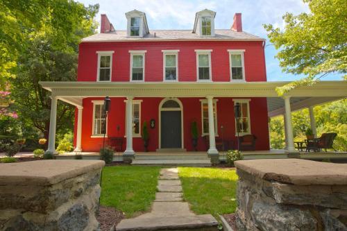 The Hollinger House - Lancaster, PA 17602