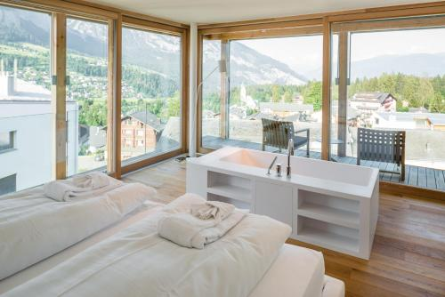 Edelweiss Mountain Suites 06-08 - Apartment - Flims