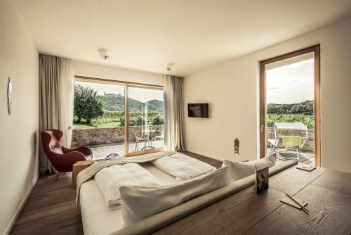 . MALAT Weingut und Hotel