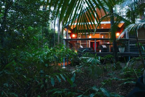. Songbirds Rainforest Retreat