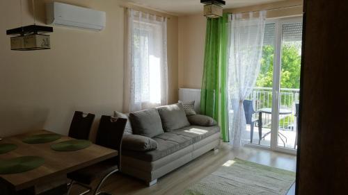 . Sweet Home Apartment