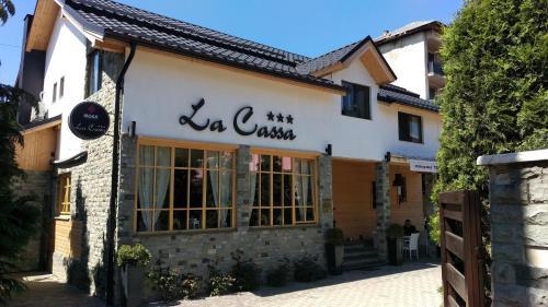 . Pensiune Restaurant La Cassa