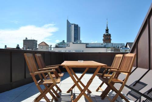 Hotel Trafford Sky Homes