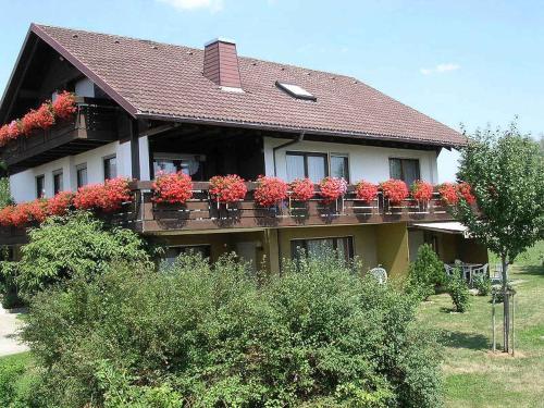 . Ferienwohnungen Tröndle im Rosendorf