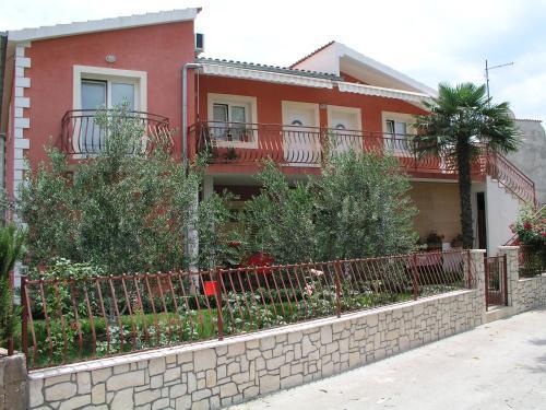 Apartments Salamun