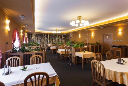 . Hotel u Crlíků