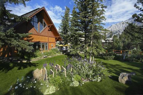 Buffalo Mountain Lodge - Photo 8 of 47