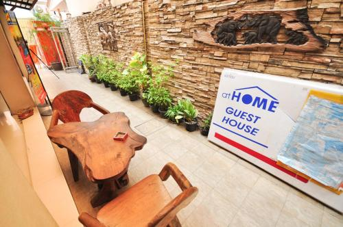 At Home Guest House photo 3