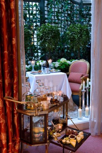 17-19 Egerton Terrace, London SW3 2BX, England.