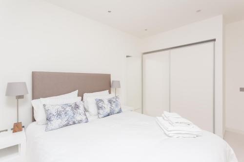 My-Quartermile Apartments photo 42