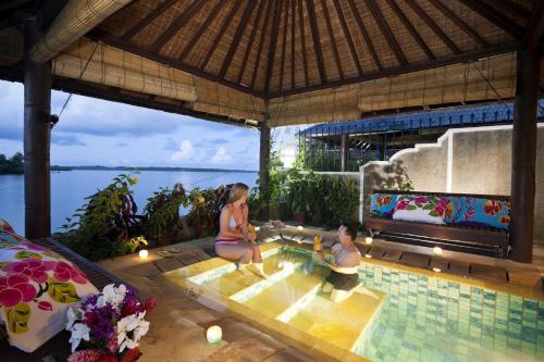 Manta Ray Bay Resort zdjęcia pokoju